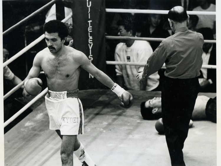 Фото: Архив О.Назарова. В бою за титул чемпиона Японии. 1992 г.
