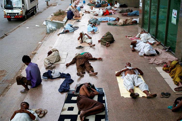 Abnormal heat kills 65 people in Pakistan » English » www 24