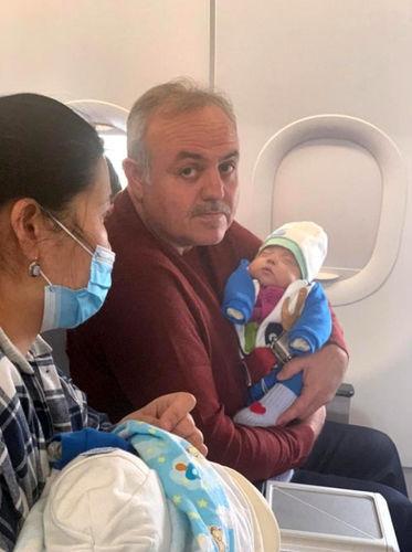 Счастливый рейс. Малыша из Кыргызстана спас личный врач президента Турции