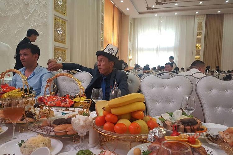 Фото 24.kg. В гостях у альтернативной партии СДПК