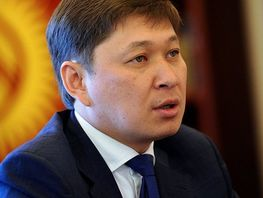 Former Prime Minister Sapar Isakov earns almost a million soms in 2017