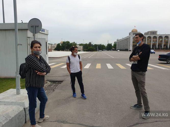 Фото 24.kg. На митинг против действий властей пришли три человека