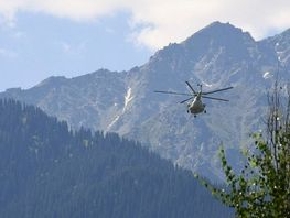 Search for missing Kazakh climbers at Pobeda Peak resumed