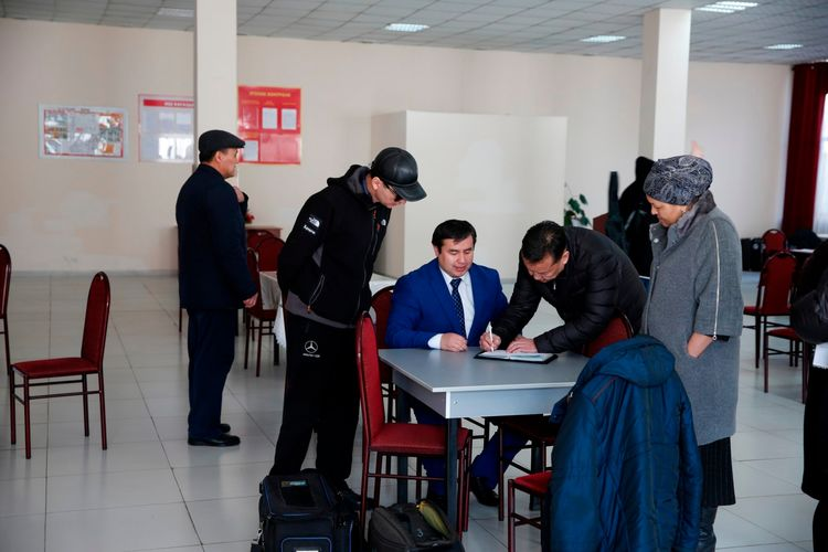 Фото пресс-центра Минздрава. Студентов, приехавших из Уханя, выписали из больницы после карантина