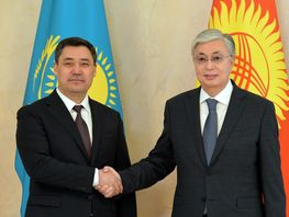 Sadyr Japarov and Kassym-Jomart Tokayev hold talks