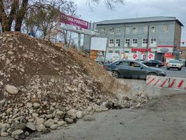 Suyumbaev Street in Bishkek being widened