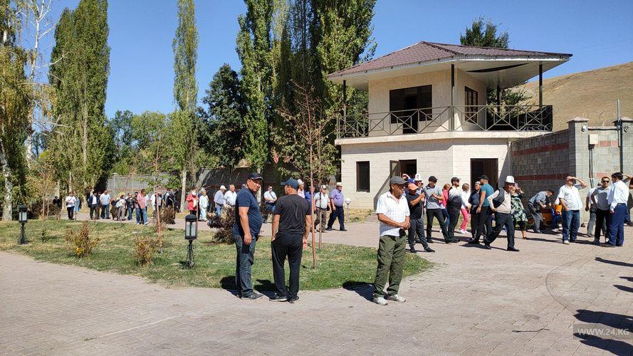 Фото 24.kg. Гости в резиденции