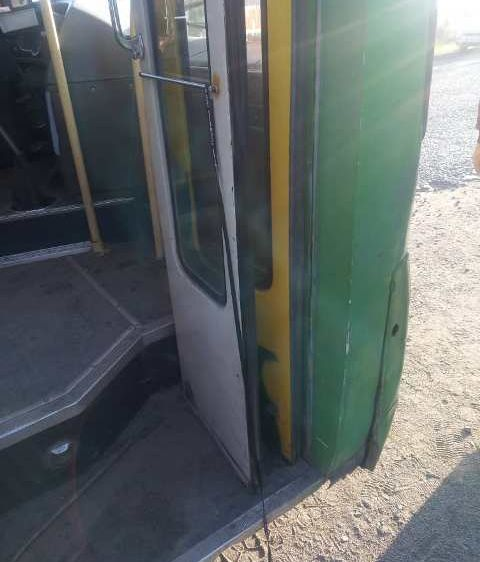Окуучуну тебелеп кеткен автобустун айдоочусу кармалды