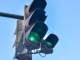 Additional traffic lights sections to be installed at problem intersections