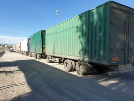 Business repeatedly suffers losses due to accumulation of trucks at border